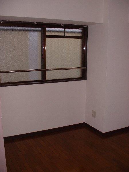 ウエストヒルズ斉藤 301号室のリビング