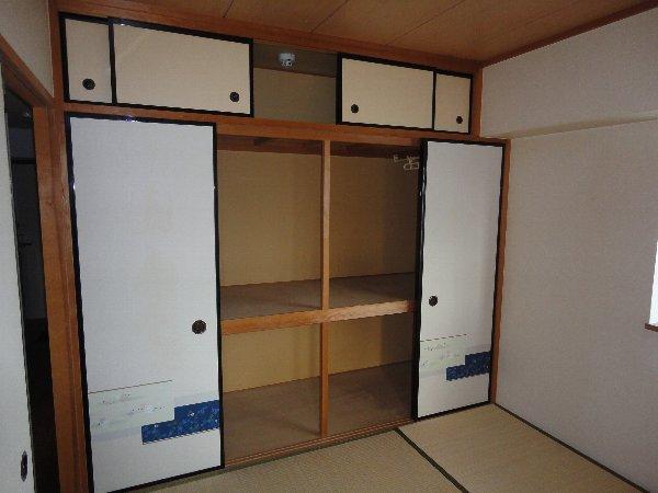 ウエストヒルズ斉藤 301号室の収納
