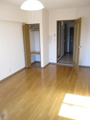 セントラルコート斎藤 306号室のリビング