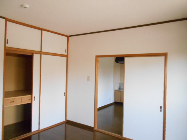 サン福安 101号室のエントランス