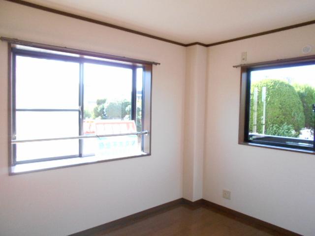 サン福安 101号室の居室