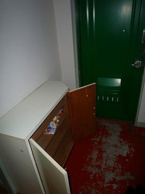 三宅ビル 402号室の玄関