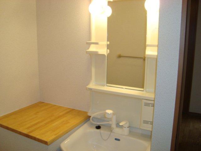ソレイユ ルヴァン 根川 307号室のベッドルーム
