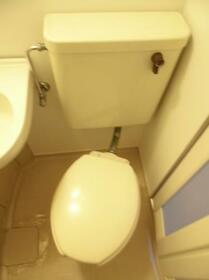 クレスト津田沼第02 0102号室のトイレ