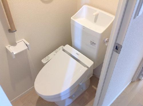 ミランダラピス 201号室のトイレ