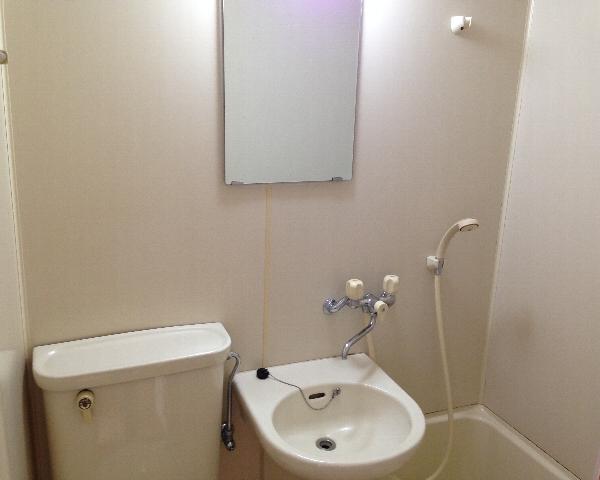 こまばディモーレ 308号室の洗面所