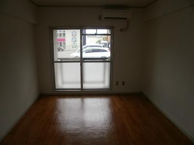 アイリス梅坪 305号室の居室