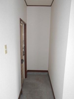 シャーウッドMI 206号室の玄関