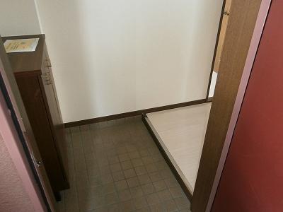 花曜日 202号室の玄関