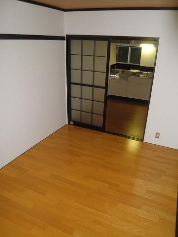 メゾン青山 205号室のリビング