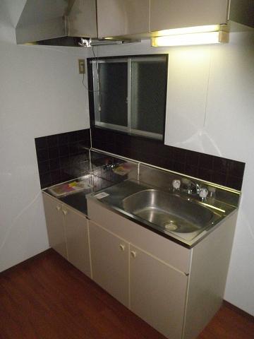 メゾン青山 205号室のキッチン