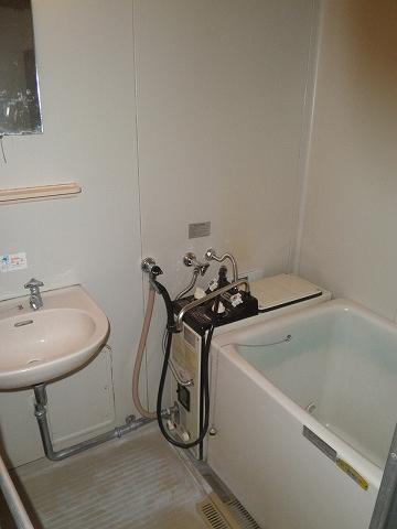 メゾン青山 205号室の風呂