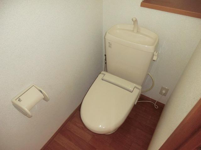 ハイツ新渡場 A棟 105号室のトイレ
