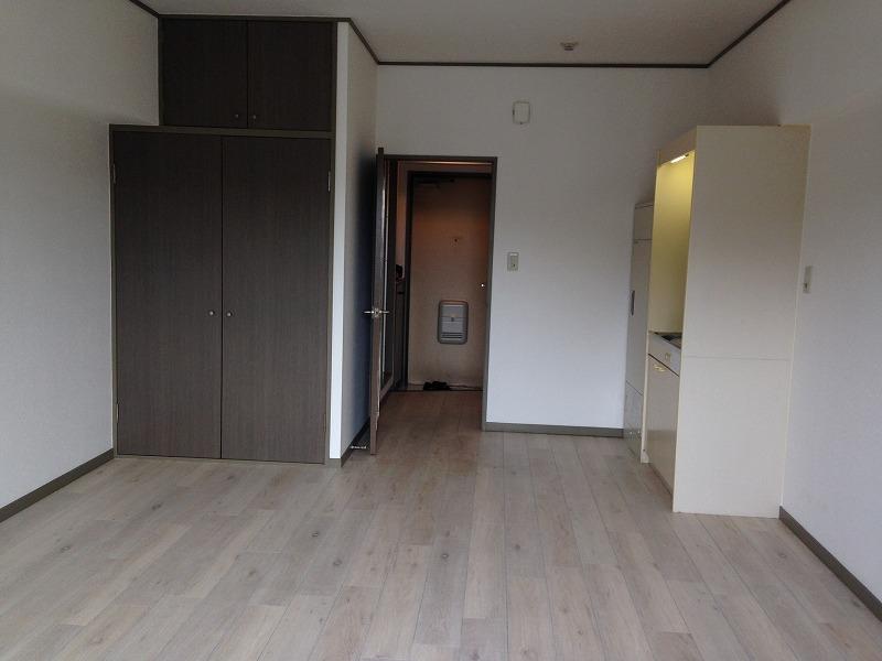 ルック神田 302号室のリビング