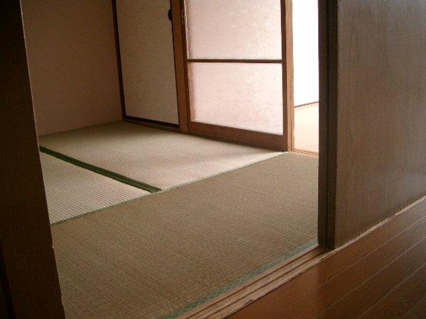 ミヨカワビル 402号室のリビング