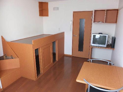 レオパレスフルールⅠ 202号室の居室