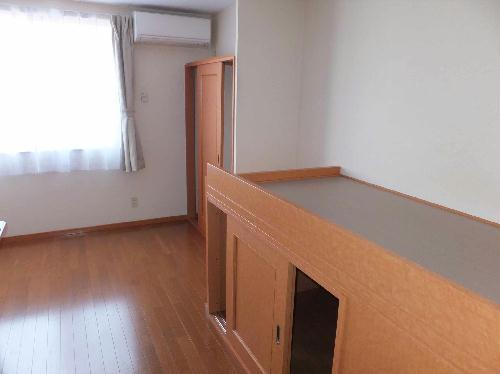 レオパレスフルールⅠ 202号室の収納