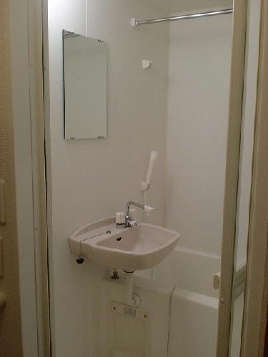 レオパレスコロモ 203号室の風呂