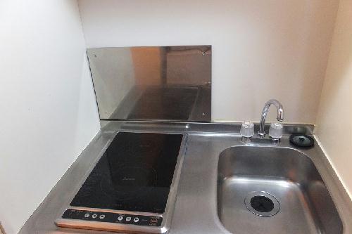 レオパレスヴィクトワール 203号室のキッチン