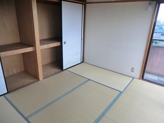 ユートピア東照苑 3-A号室のリビング