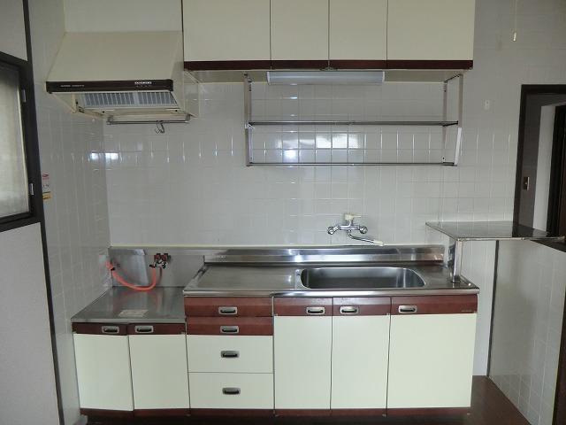 ユートピア東照苑 3-A号室のキッチン