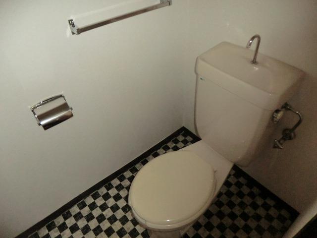 ユートピア東照苑 3-A号室のトイレ