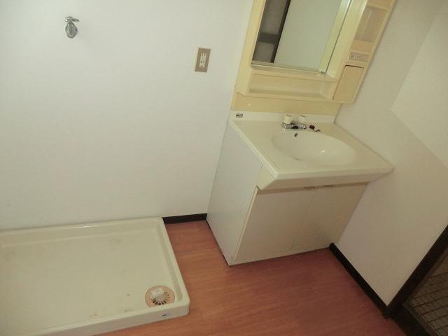 ユートピア東照苑 3-A号室の洗面所