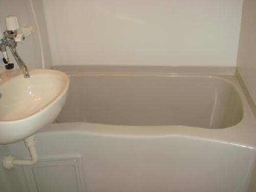 レオパレスアンソレイユ 101号室の風呂