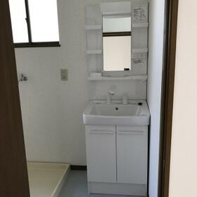 ハイツフロンティア 102号室の洗面所