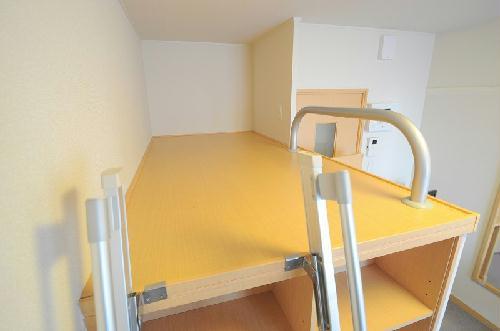 レオパレス栄 406号室のベッドルーム