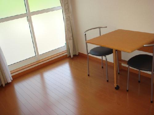 レオパレスヴィラ07 101号室のリビング