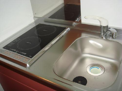 レオパレスシャムール西尾 104号室のキッチン