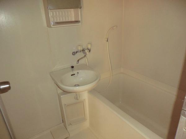 ハイツ内藤 205号室の風呂
