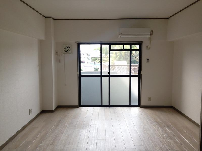ルック神田 403号室のリビング