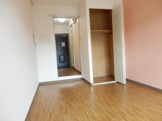 ジョイフル津田沼Ⅲ 206号室の居室