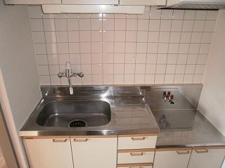 河上マンション 401号室のキッチン