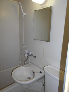 MTビル 401号室の洗面所
