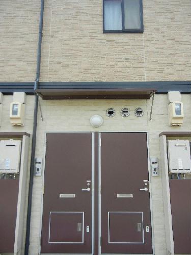 レオパレス0602 kaze 206号室の玄関
