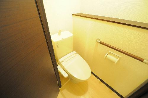 レオネクストエスベランサ 208号室のトイレ