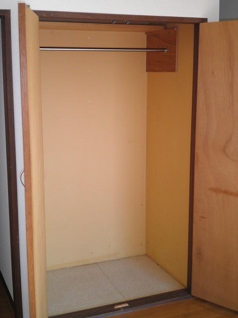 ボヌール新町 105号室の収納