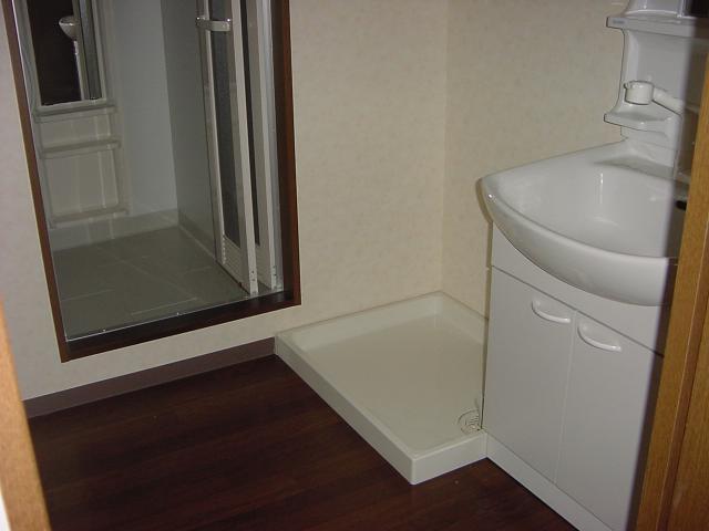 インペリアルコート岡田 202号室の設備