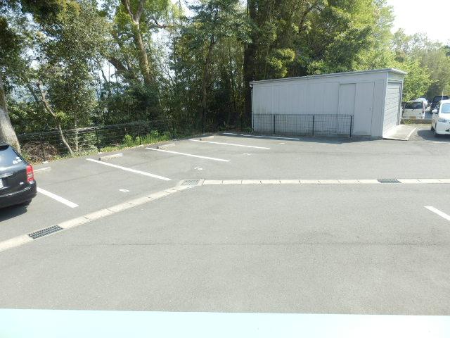 スタットアンクム B 101号室の駐車場