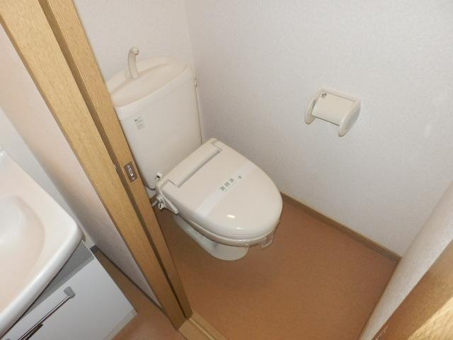 スタットアンクム B 101号室のトイレ