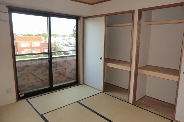 和泉乃郷参番館 203号室の収納