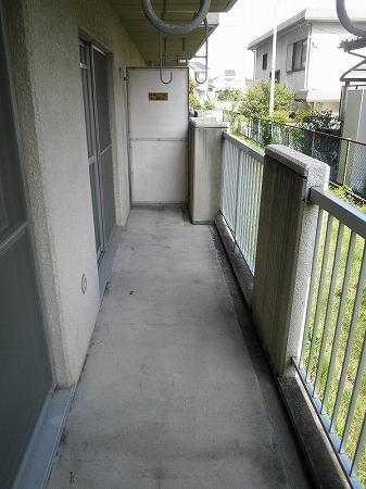 パープルマンション 202号室のバルコニー