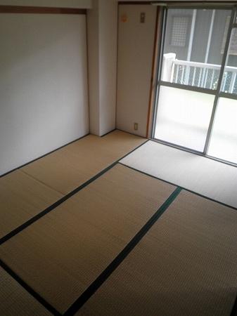 パープルマンション 202号室の景色