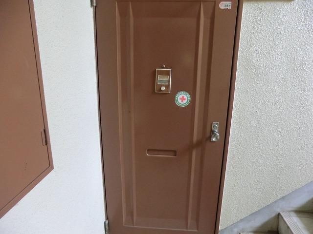 パールハイツ 305号室の玄関