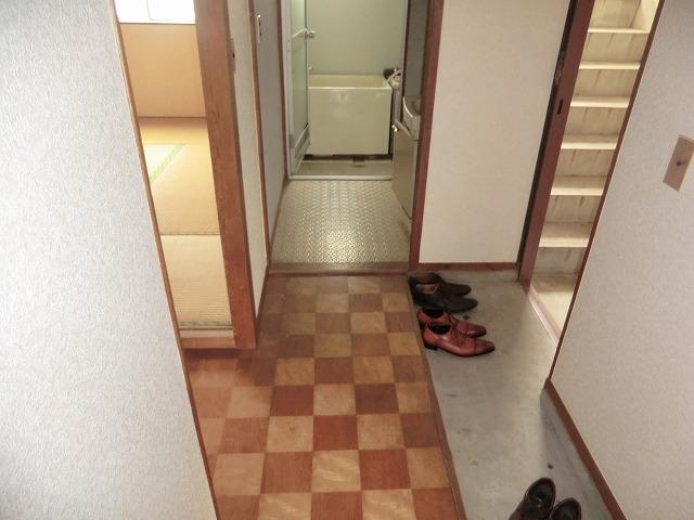 パールハイツ 305号室のエントランス