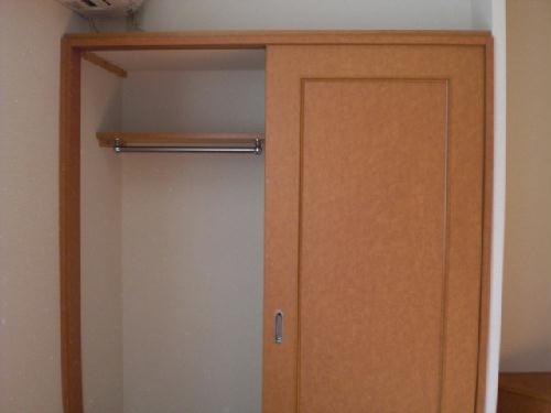 レオパレスMARCHENⅡ 208号室の収納