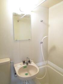 メゾンドクレール 0105号室の洗面所